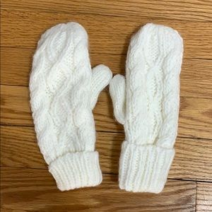 Accessories - Comfy Mitts